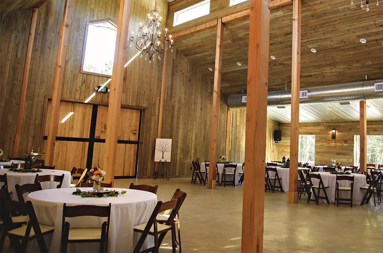 Image of inside building - Whispering Oaks Wedding Venue
